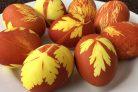 Простая покраска пасхальных яиц