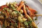 Жареная морковь с пастернаком и луком