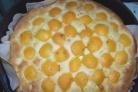 Шарлотка с яблоками и абрикосами