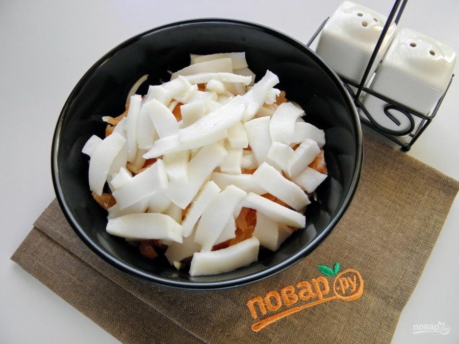 салат сытый боцман с семгой и икрой рецепт