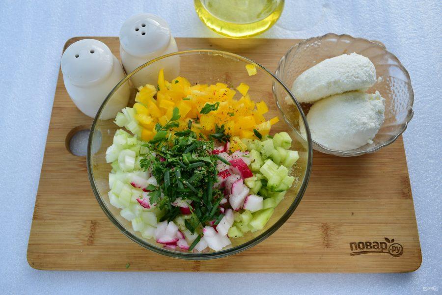 Приготовление овощного салата с сельдереем