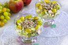 Салат из яблок и винограда