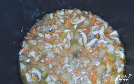 Суп с вешенками в мультиварке