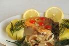 Рыба жареная с луком