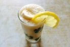 Банановый смузи с молоком