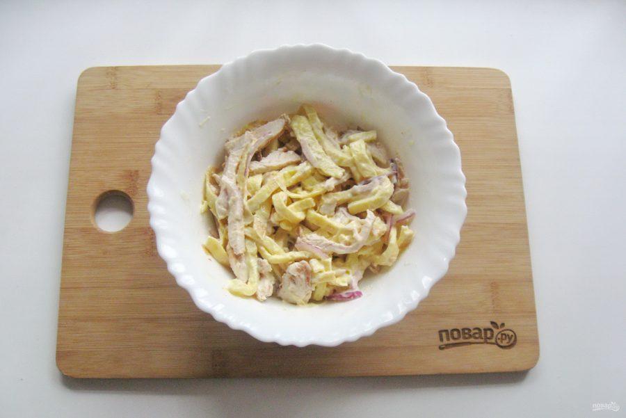 Итальянский салат с блинами