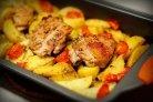 Маринованная в кефире курица с картофелем