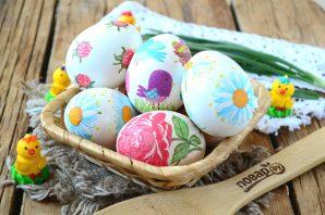 Пасхальные яйца с цветами