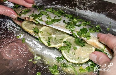 Скумбрия в духовке с лимоном