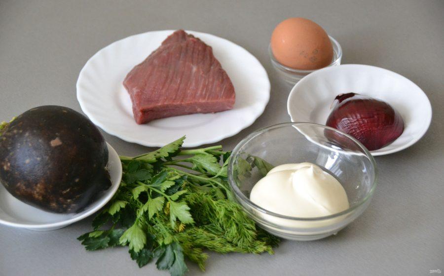 Салат с редькой и говядиной