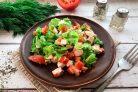 Салат с крабовыми палочками и адыгейским сыром