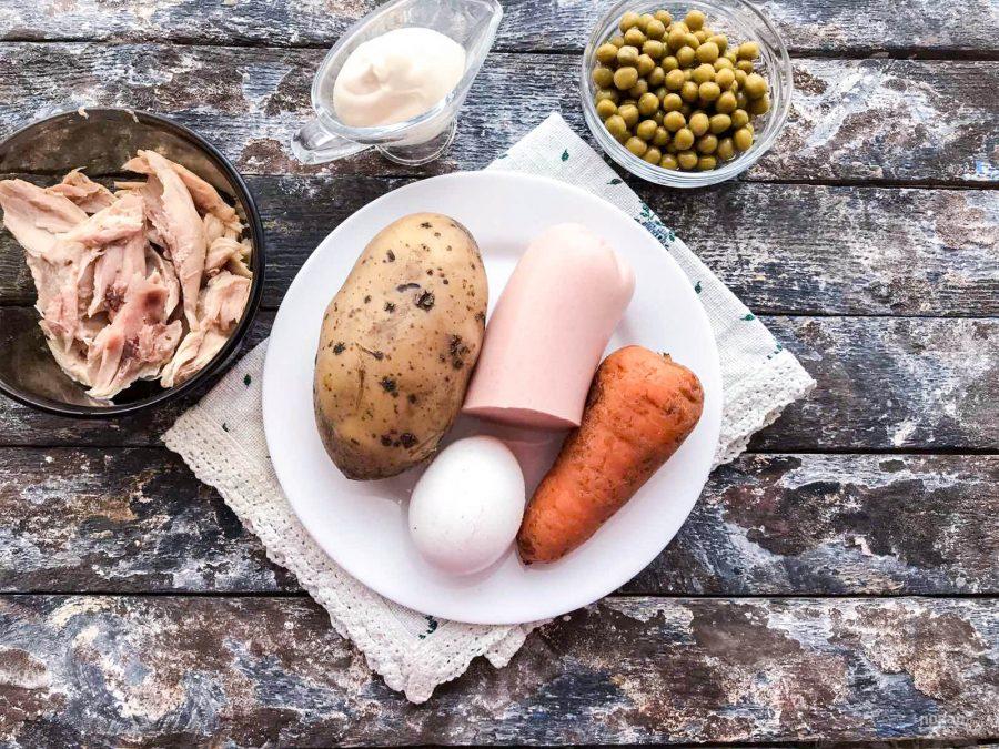 """""""Оливье"""" с курицей и колбасой"""
