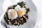 Яичница с грибами и шпинатом