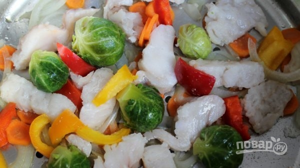 Приготовить рыбу с овощами в пароварке 9