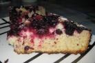 Пирог со смородиной в мультиварке
