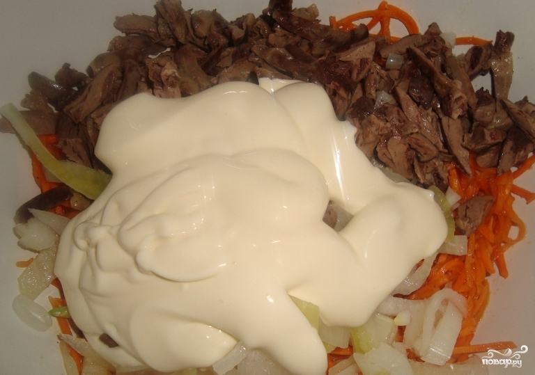 Салат с печенью и корейской морковкой
