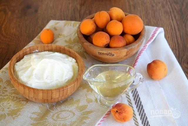 Десерт из свежих абрикосов