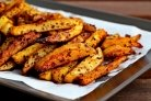 Жареный в духовке картофель со специями