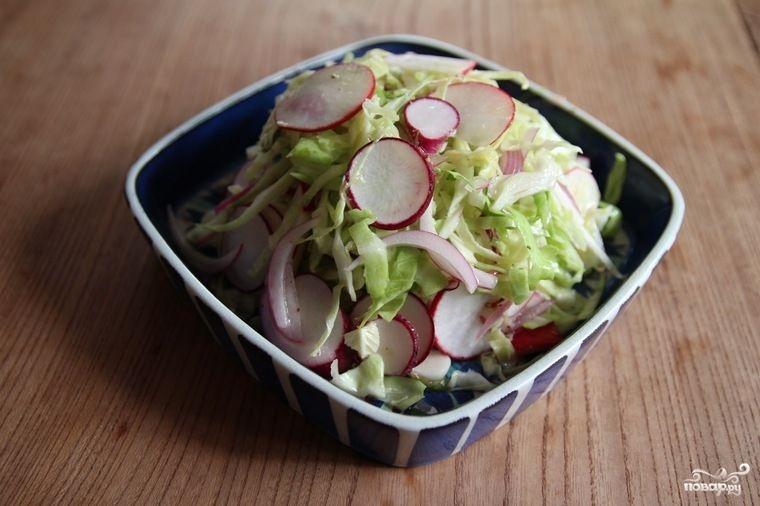 Капустный салат с редькой и шалфеем