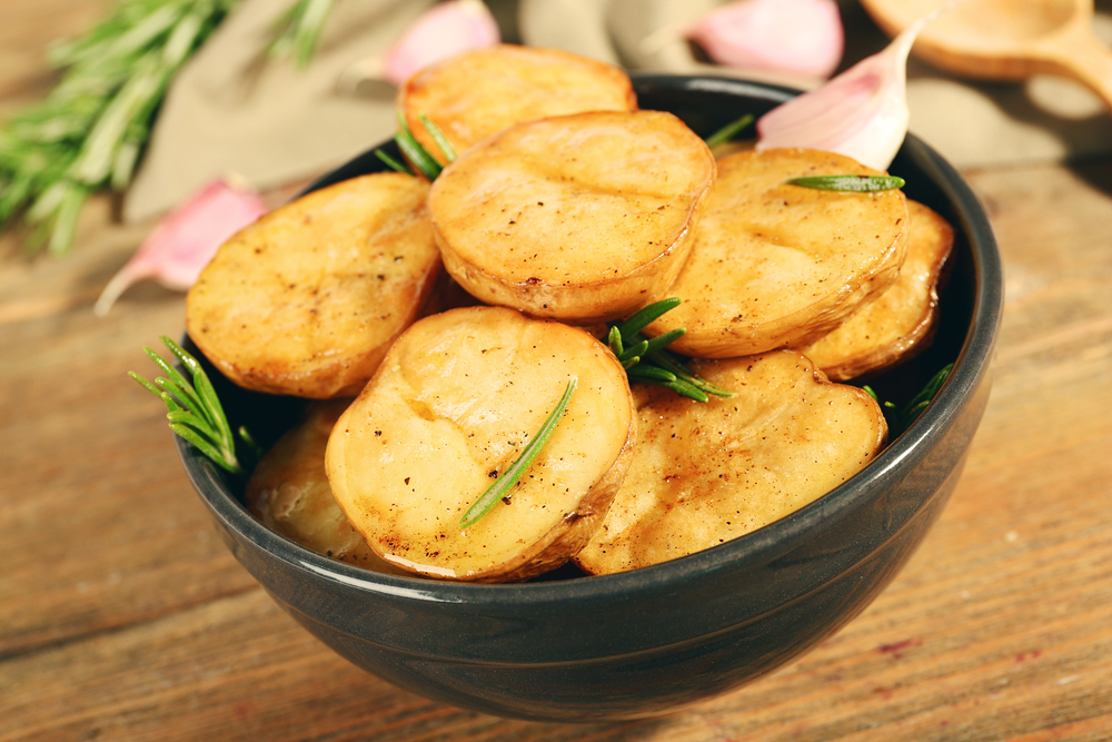 Картофель по-провански с розмарином