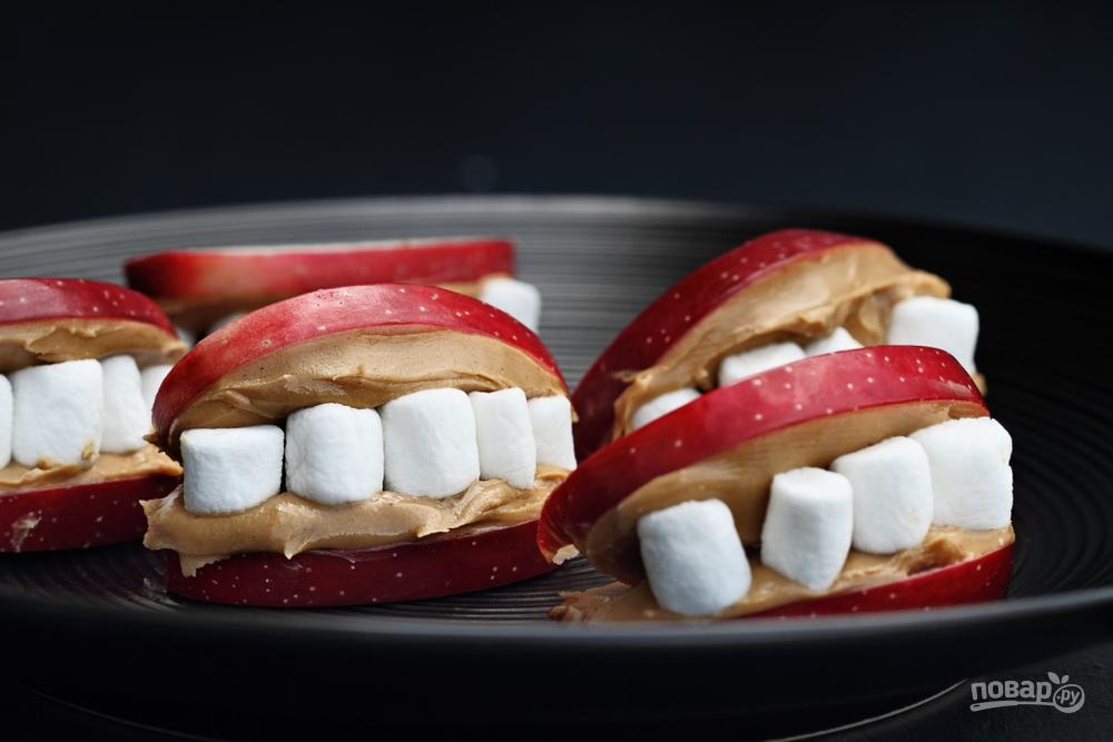 Рты из яблок с зубами-зефирками