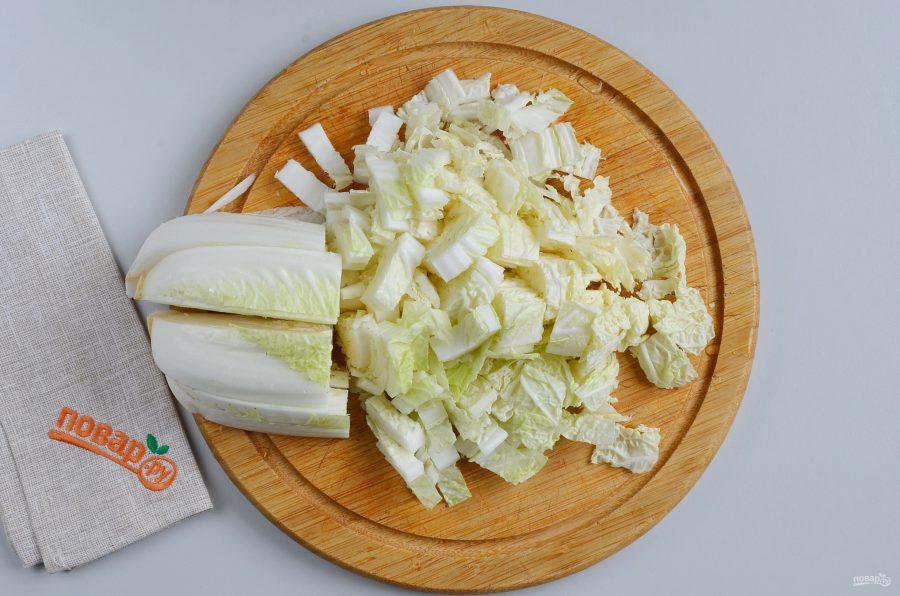 Салат из пекинской капусты с тунцом